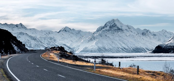 Pros and Cons of Living in NewZealand